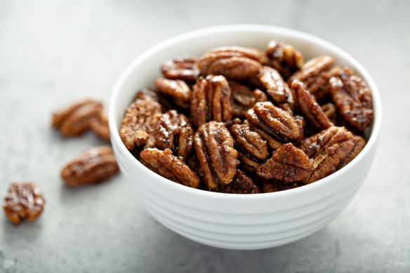 Caramelized or candied pecans